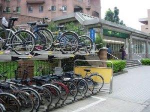 mrt-gongguan-bike-racks